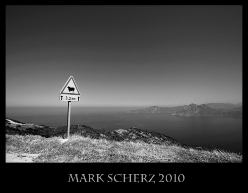 Signposting in Corsica, Black and White